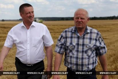 Министр сельского хозяйства Республики Беларусь принял участие в церемонии чествования передовиков жатвы в РСКУП Волковысское